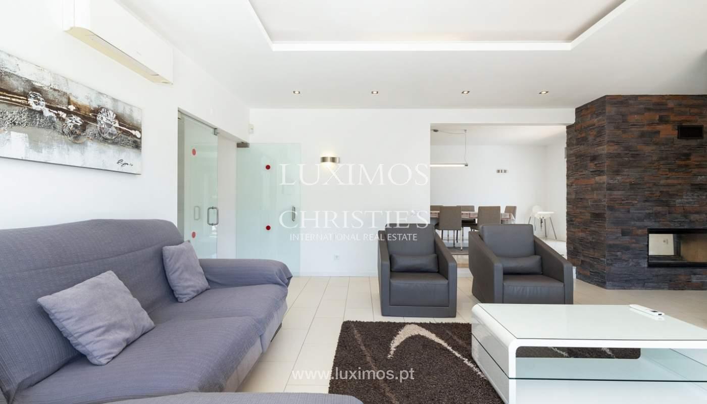 Villa de 4 dormitorios, con piscina y jardín, Albufeira, Algarve_180560