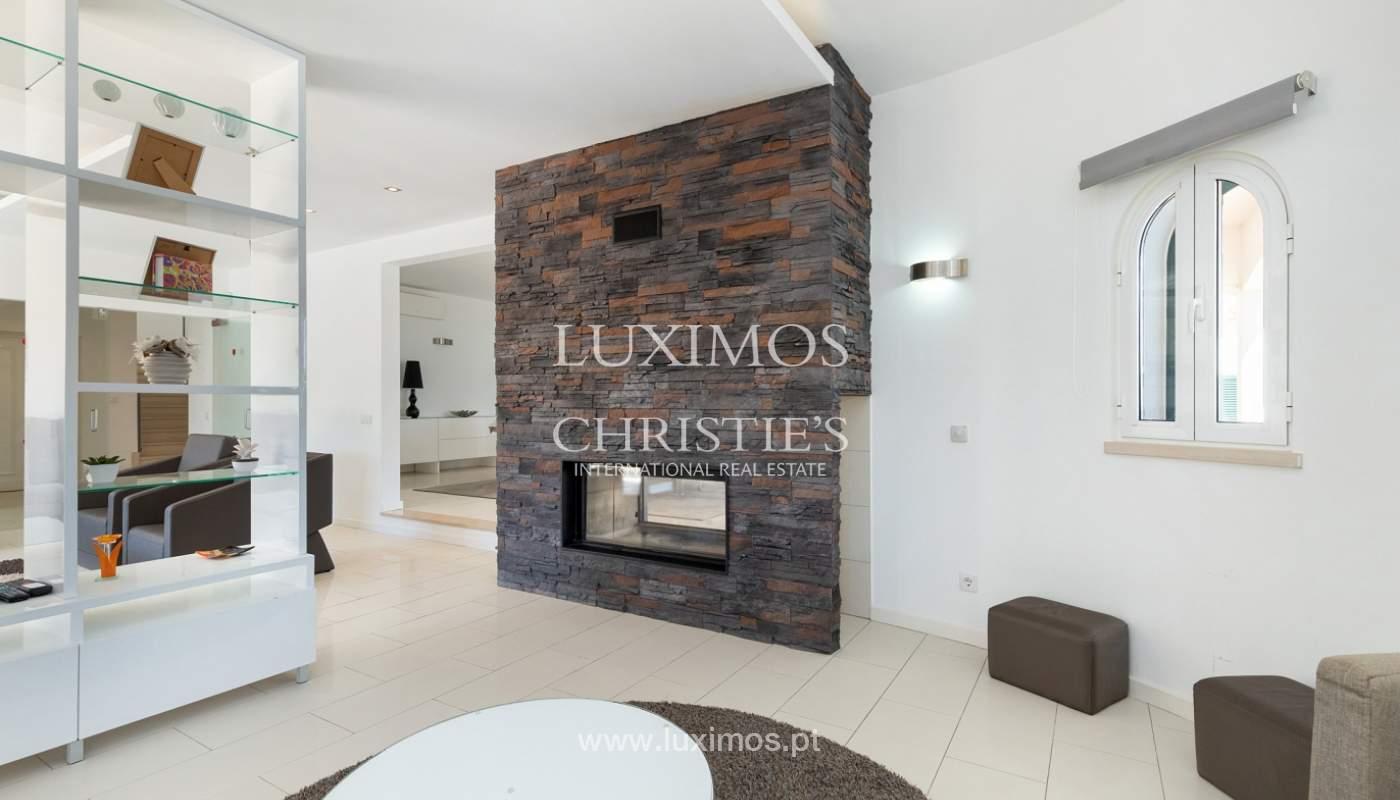 Villa de 4 dormitorios, con piscina y jardín, Albufeira, Algarve_180561