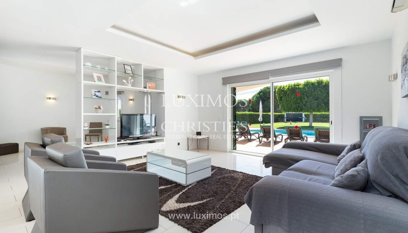 Villa de 4 dormitorios, con piscina y jardín, Albufeira, Algarve_180562