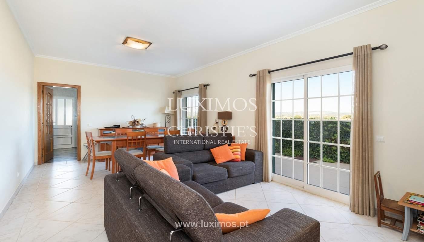 Villa de 4 dormitorios, con piscina y jardín, Albufeira, Algarve_180567