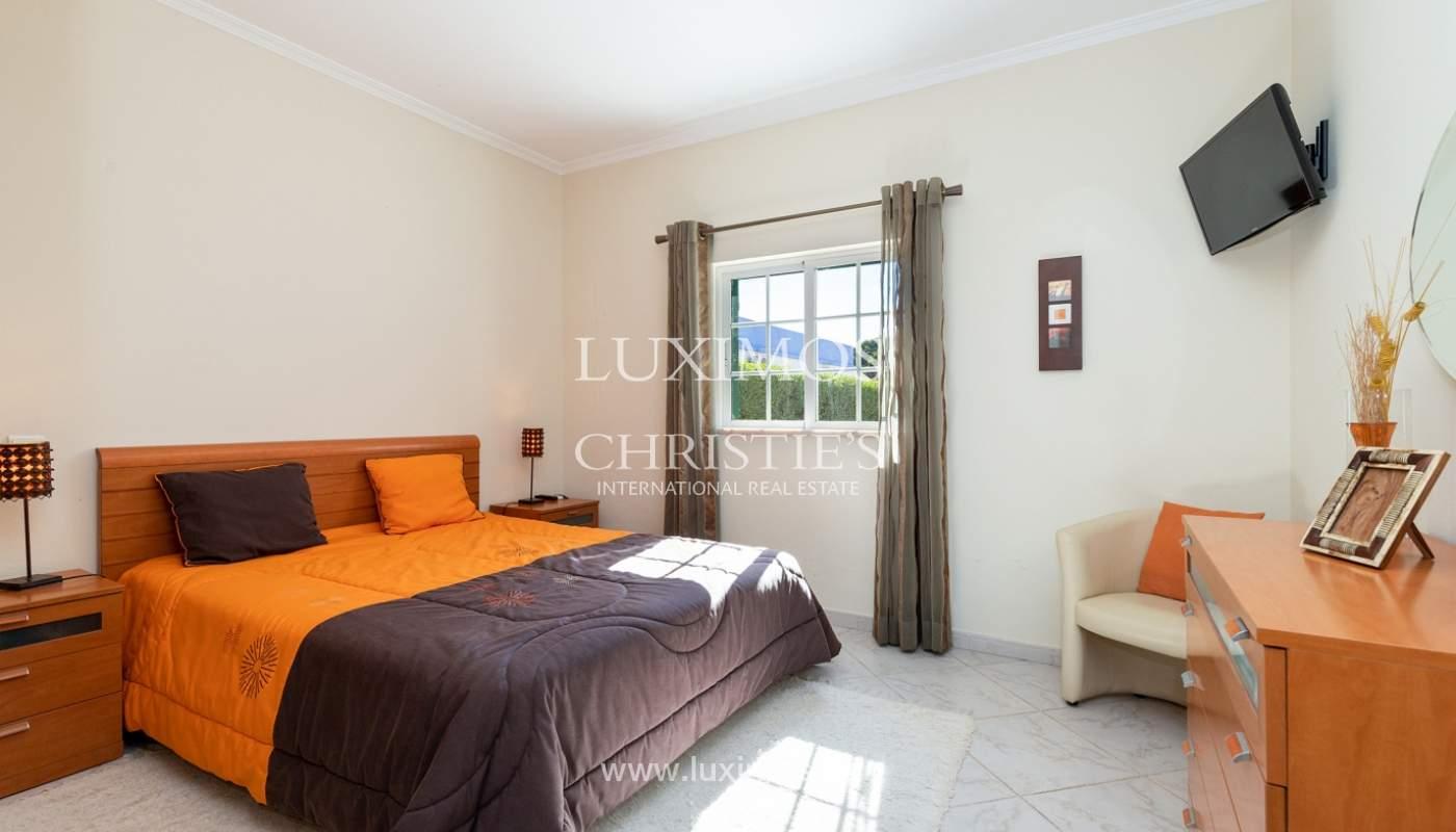 Villa de 4 dormitorios, con piscina y jardín, Albufeira, Algarve_180569