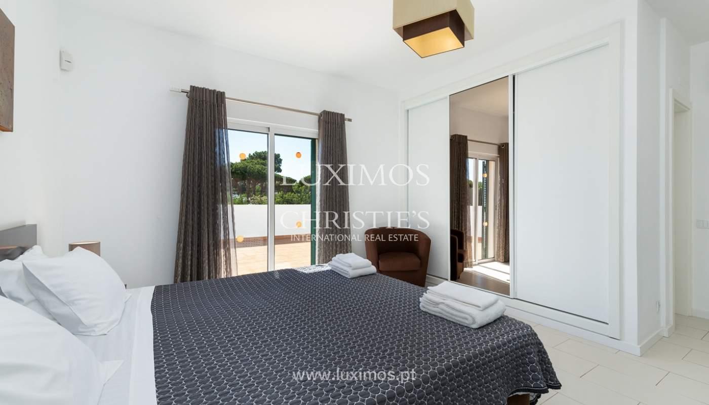 Villa de 4 dormitorios, con piscina y jardín, Albufeira, Algarve_180572