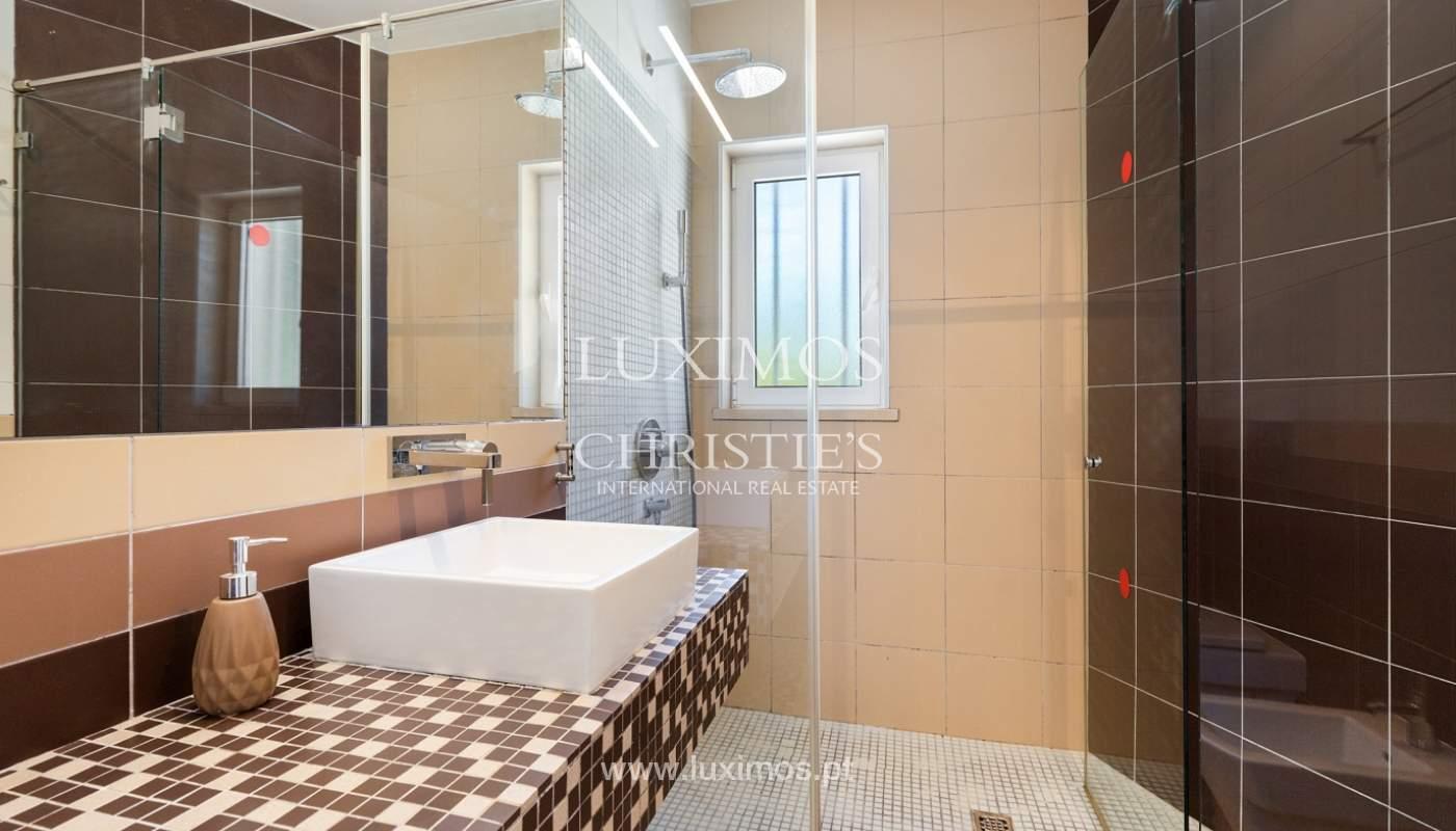 Villa de 4 dormitorios, con piscina y jardín, Albufeira, Algarve_180575