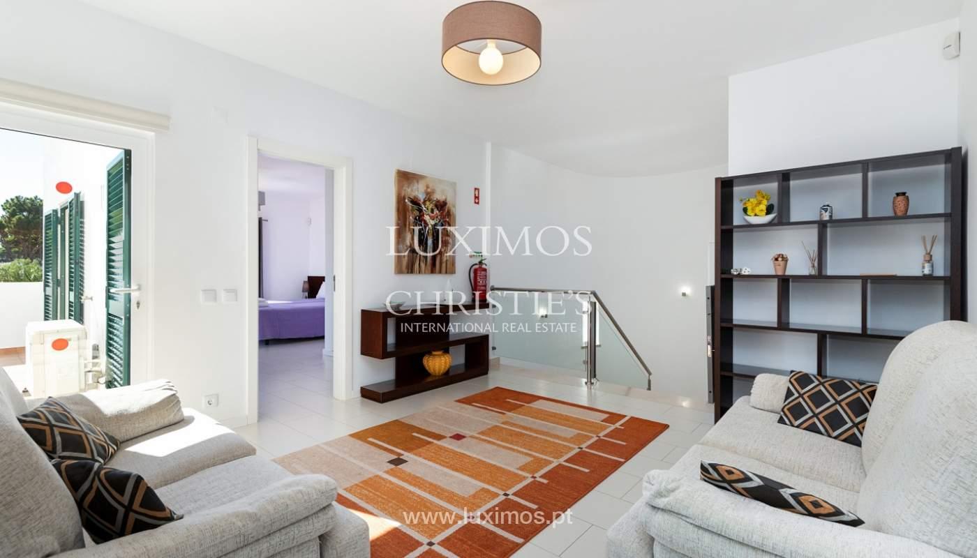 Villa de 4 dormitorios, con piscina y jardín, Albufeira, Algarve_180577