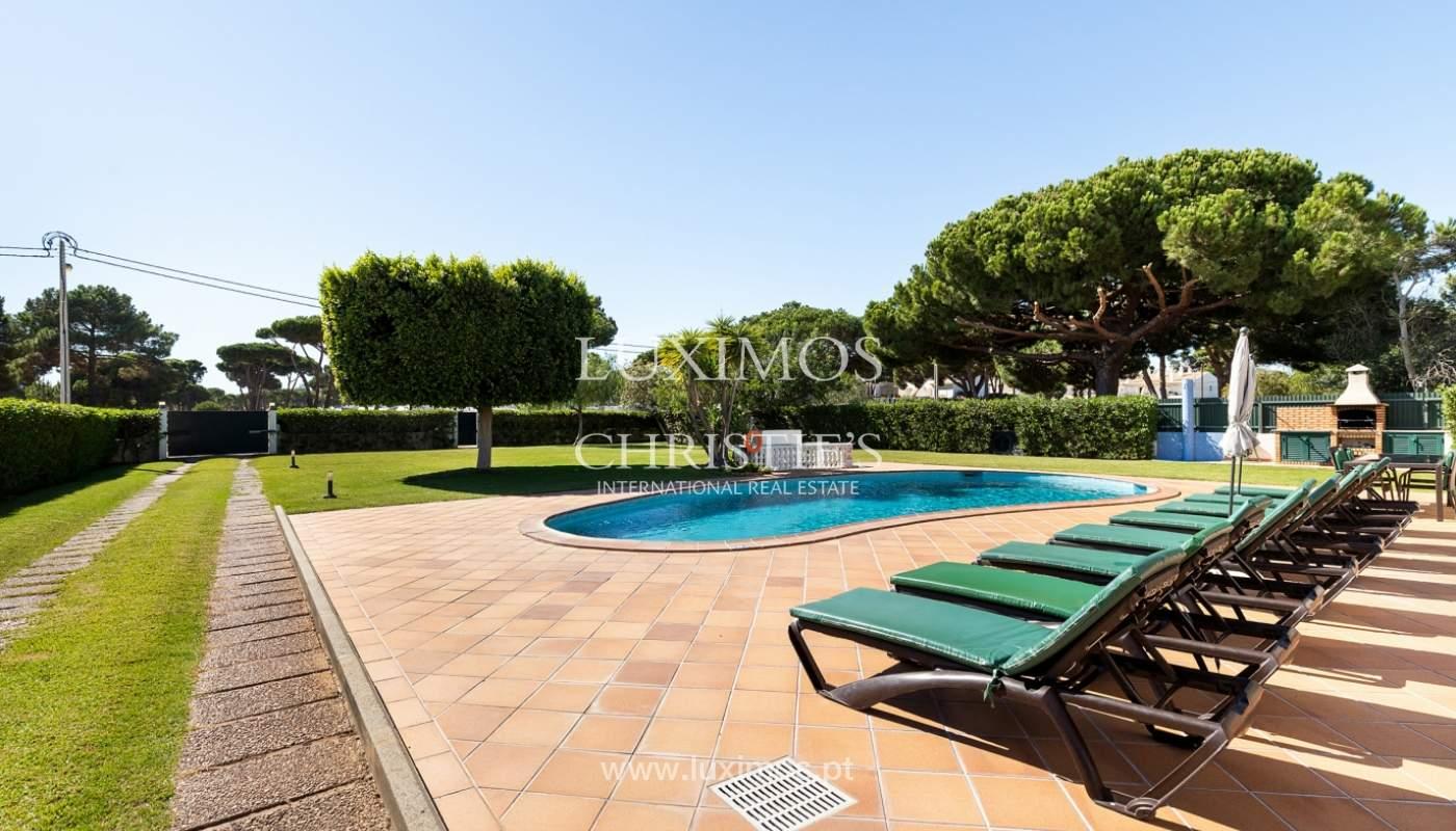 Villa de 4 dormitorios, con piscina y jardín, Albufeira, Algarve_180581