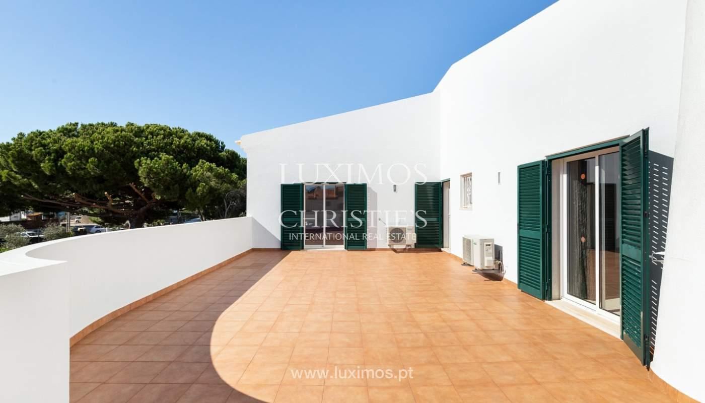 Villa de 4 dormitorios, con piscina y jardín, Albufeira, Algarve_180582