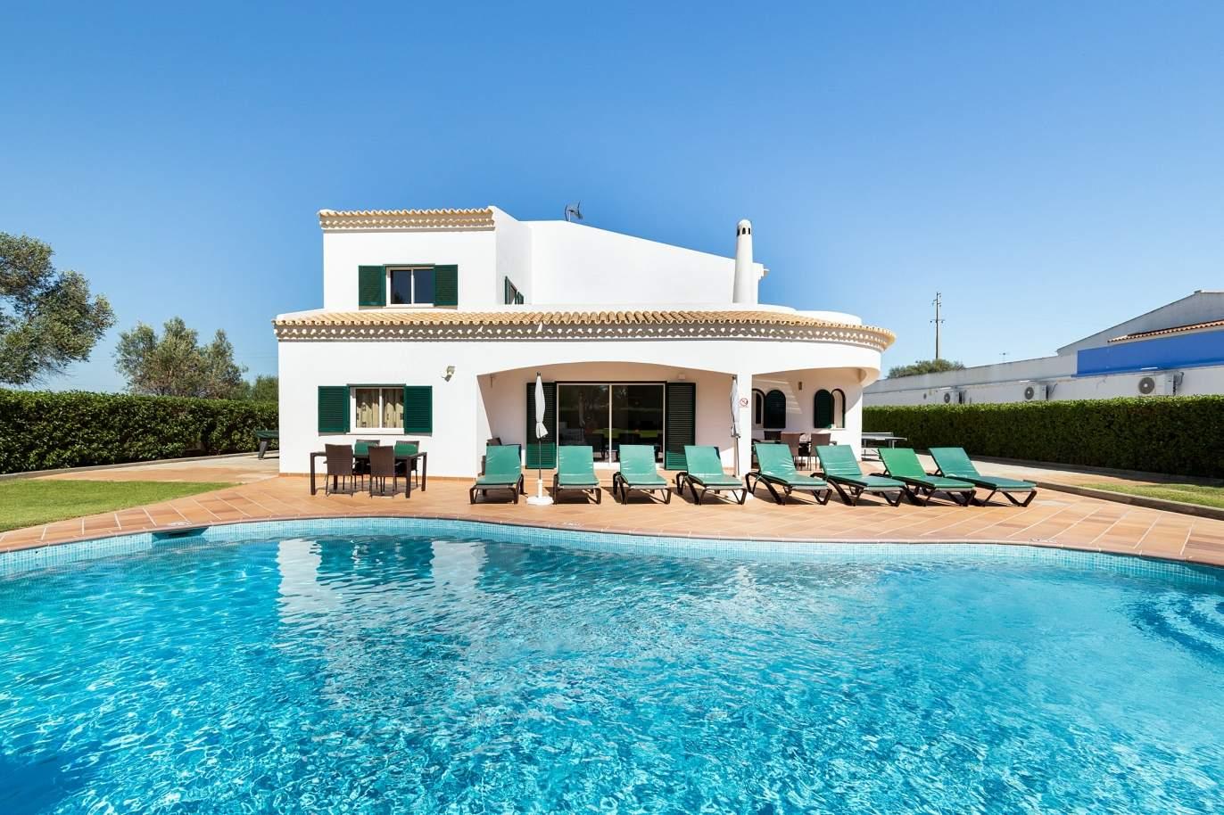 4-bedroom-villa-with-pool-and-garden-albufeira-algarve