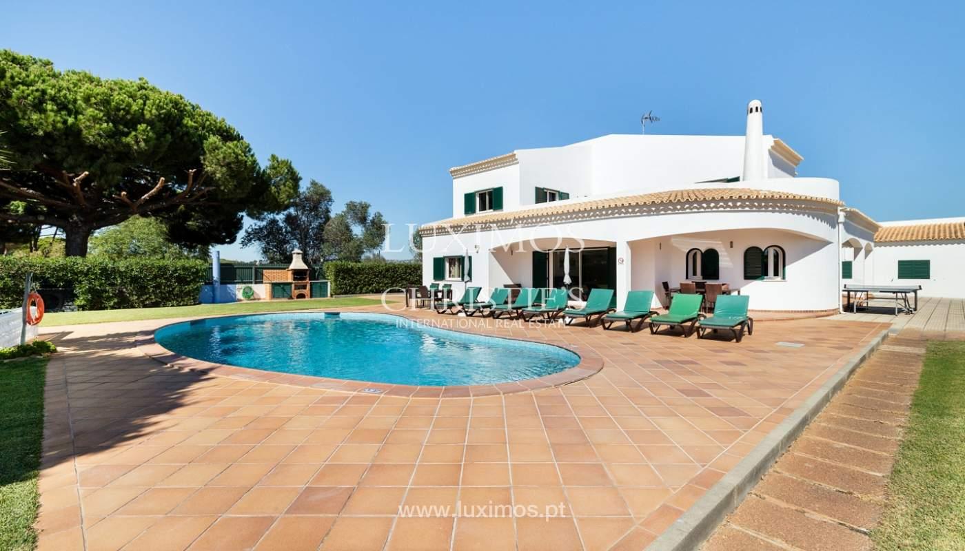 Villa de 4 dormitorios, con piscina y jardín, Albufeira, Algarve_180584
