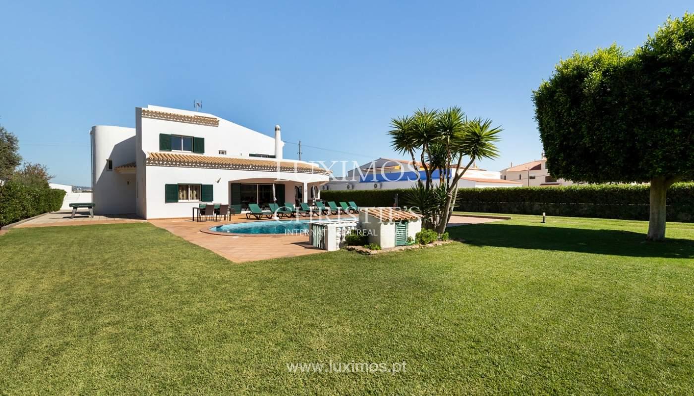 Villa de 4 dormitorios, con piscina y jardín, Albufeira, Algarve_180585