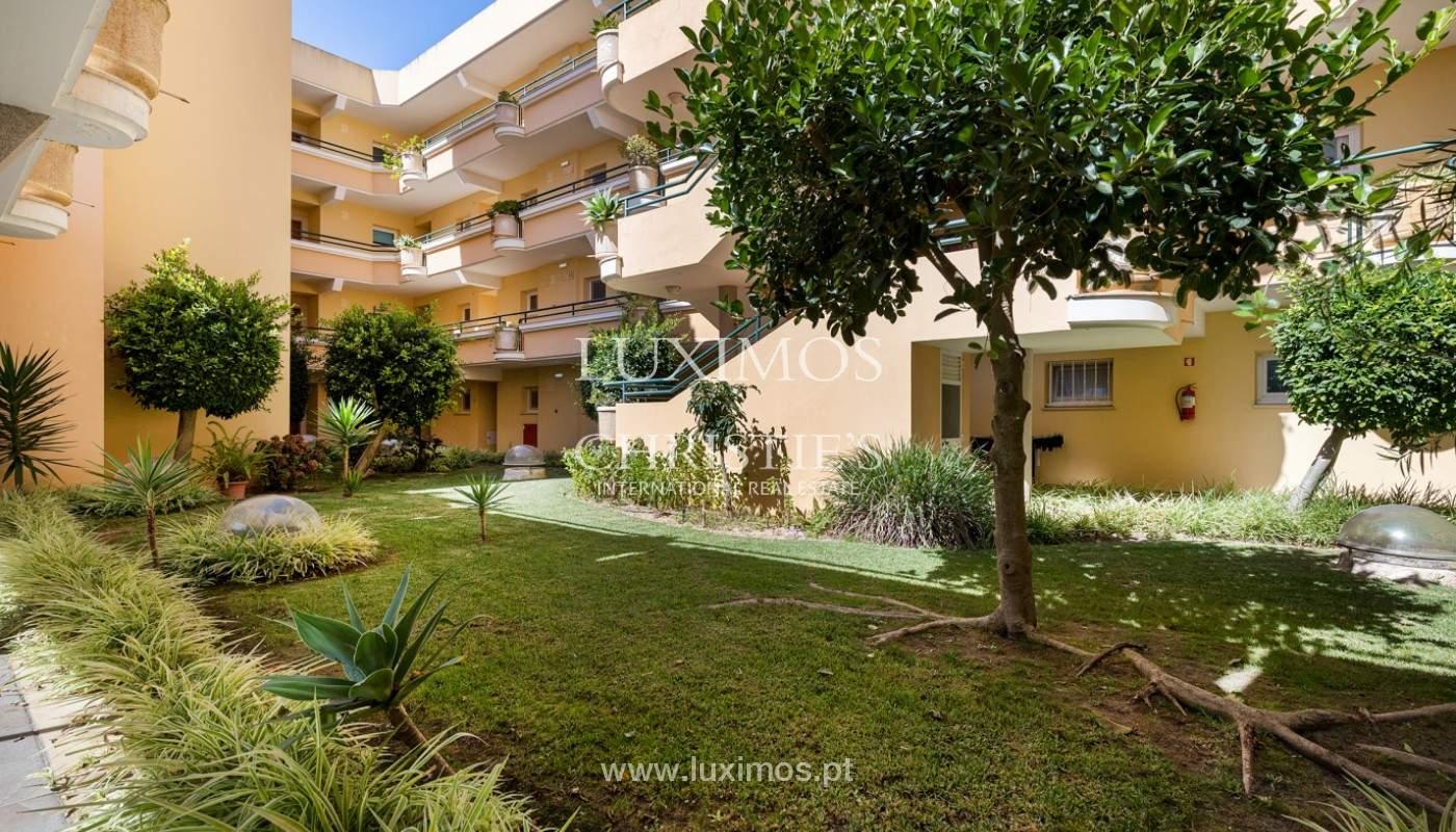 Amplio piso con 3 dormitorios & con vista al mar, condominio privado, Portimão_180911
