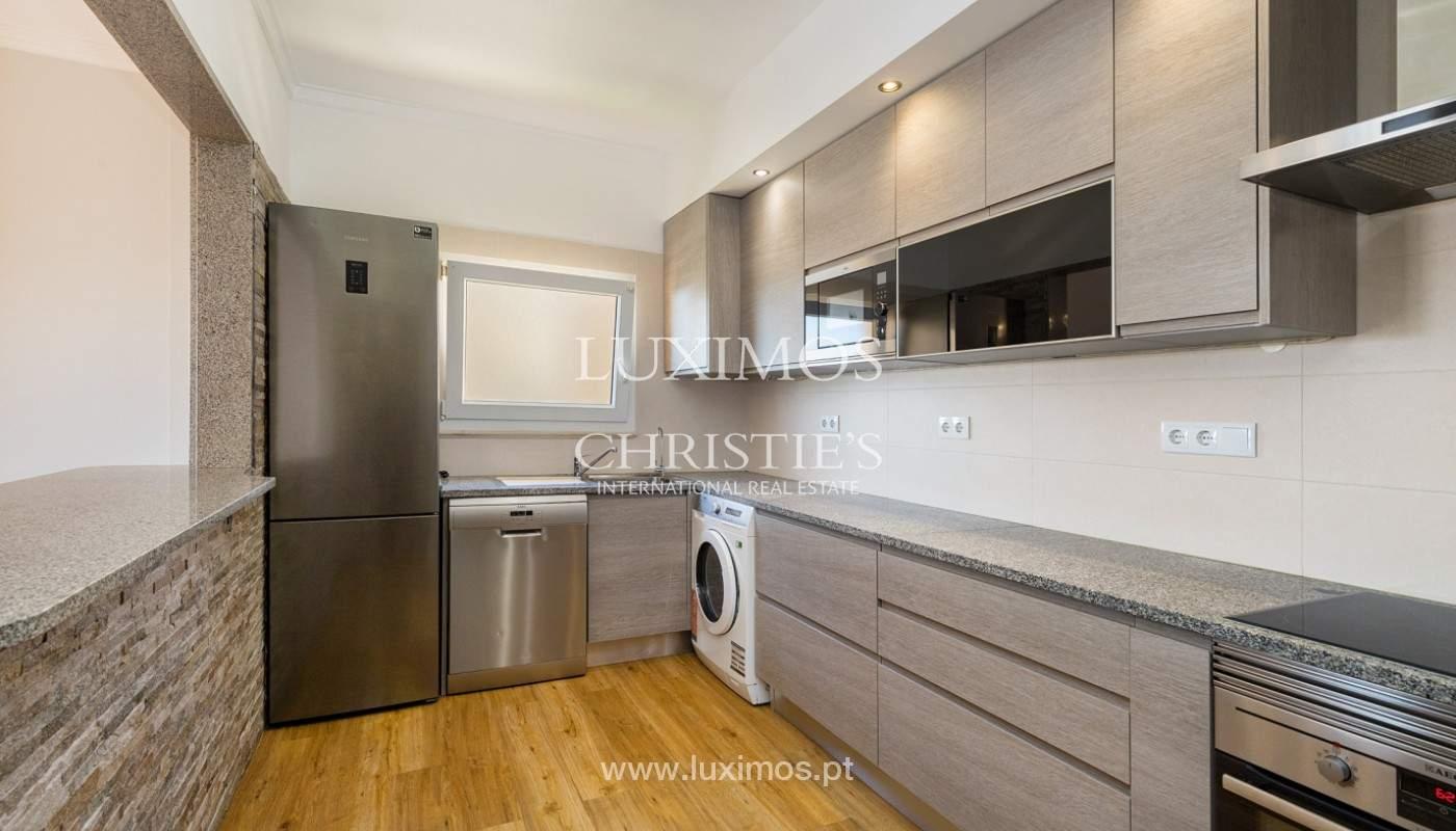 Amplio piso con 3 dormitorios & con vista al mar, condominio privado, Portimão_180918