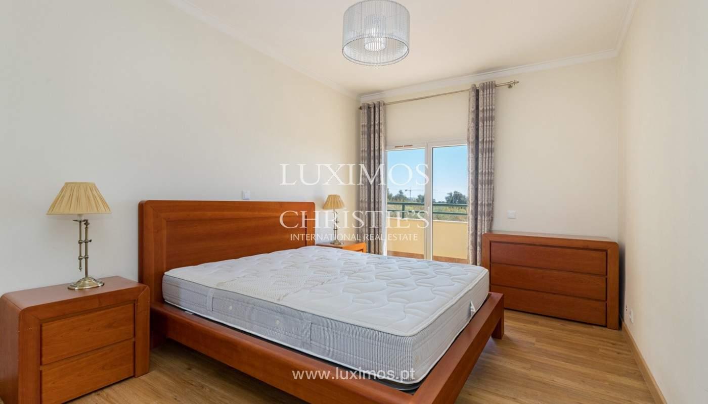 Amplio piso con 3 dormitorios & con vista al mar, condominio privado, Portimão_180921