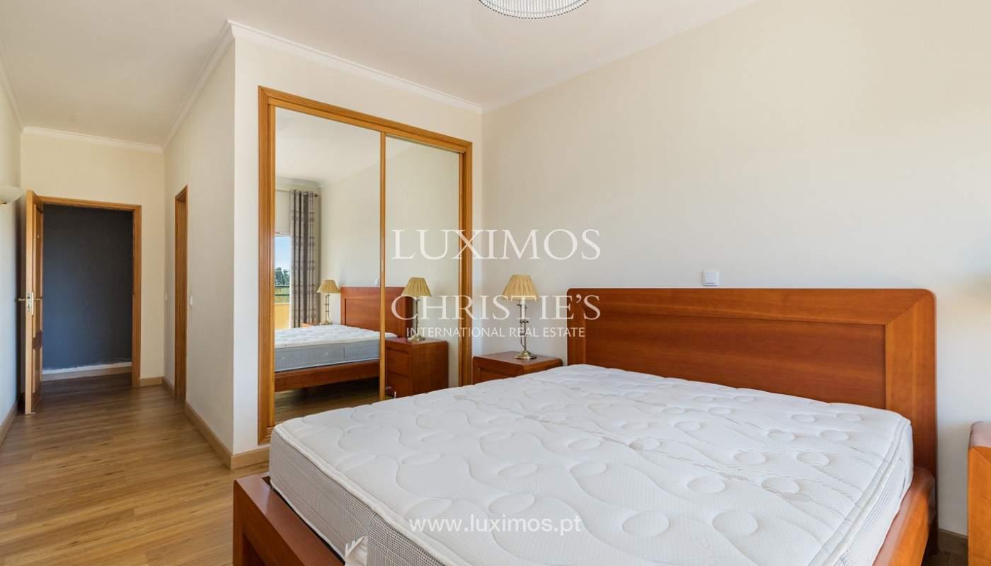 Amplio piso con 3 dormitorios & con vista al mar, condominio privado, Portimão_180923