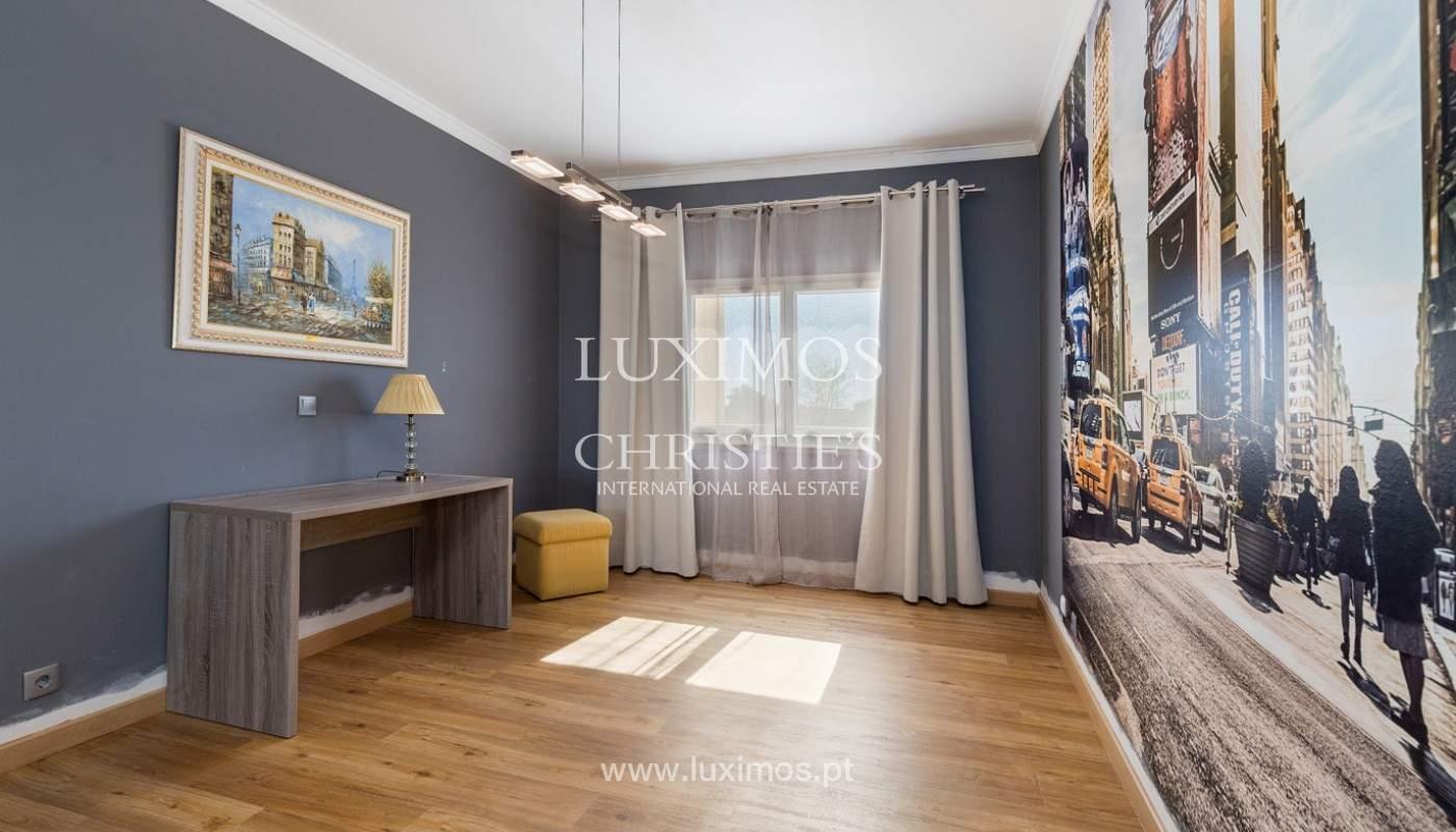 Amplio piso con 3 dormitorios & con vista al mar, condominio privado, Portimão_180925