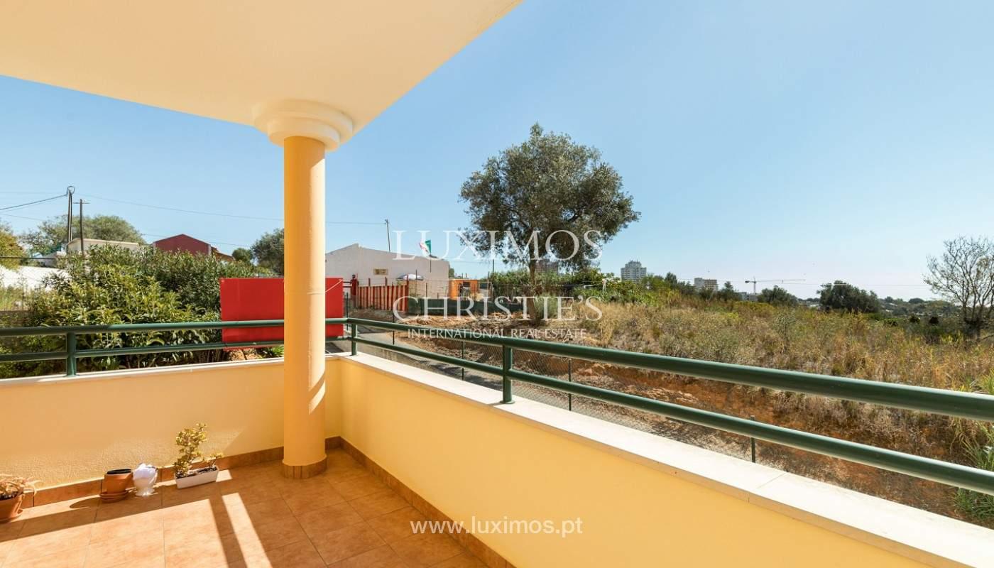 Amplio piso con 3 dormitorios & con vista al mar, condominio privado, Portimão_180929