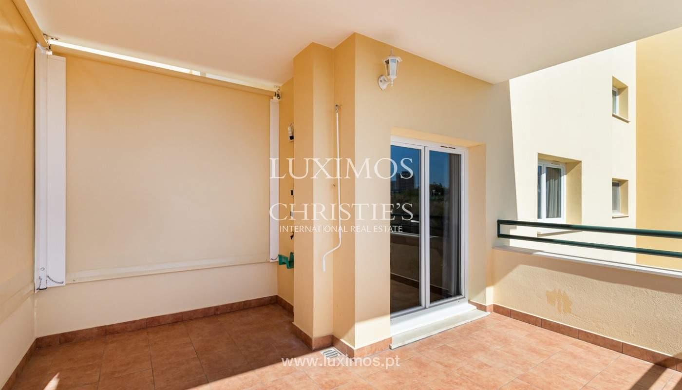 Amplio piso con 3 dormitorios & con vista al mar, condominio privado, Portimão_180930