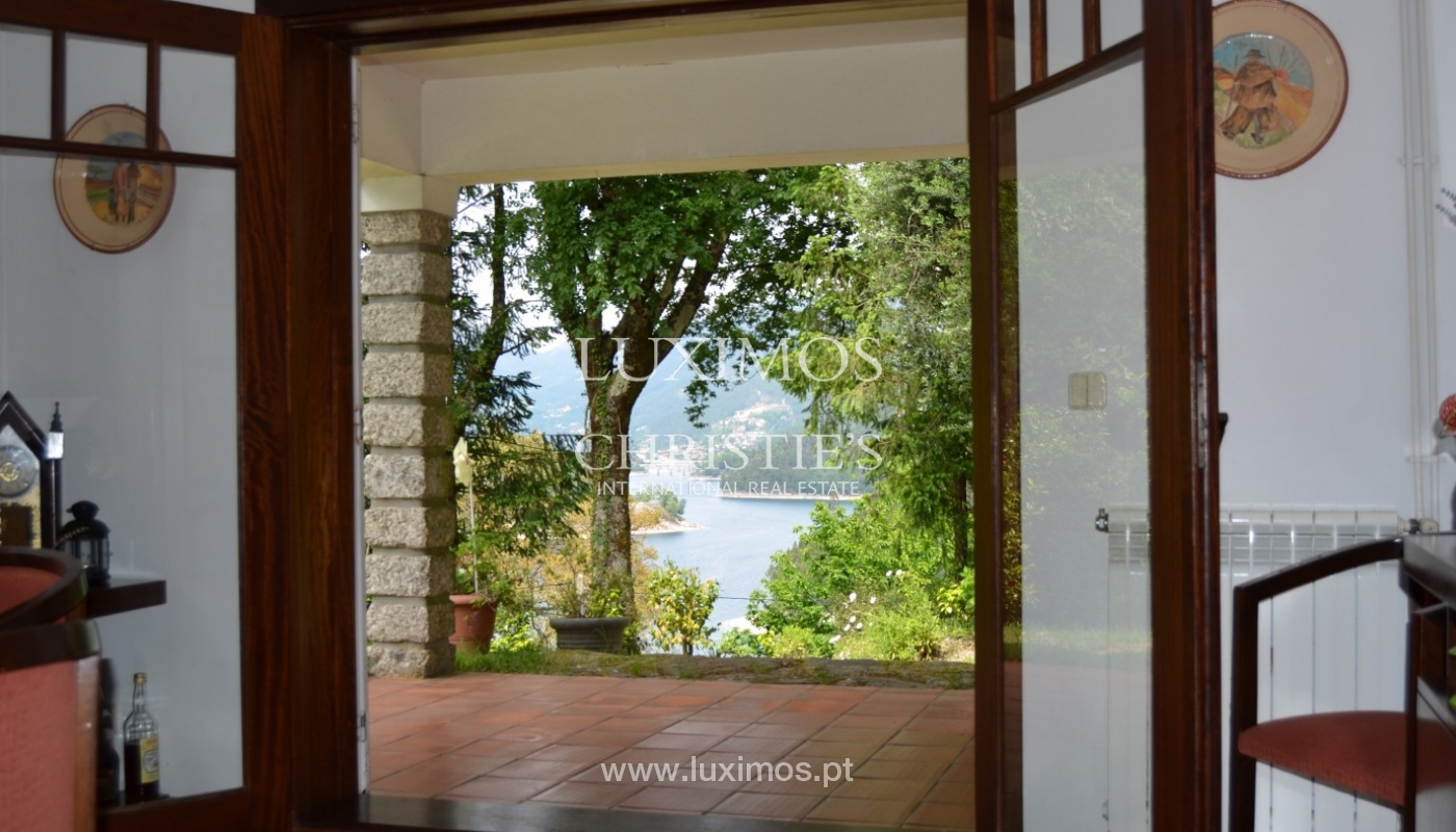 Villa for sale with river views, North of Portugal_18157