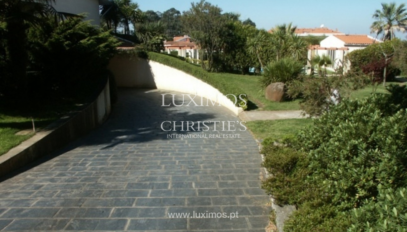 Sale of villa with garden and pool, by sea, in Porto, Portugal_2601