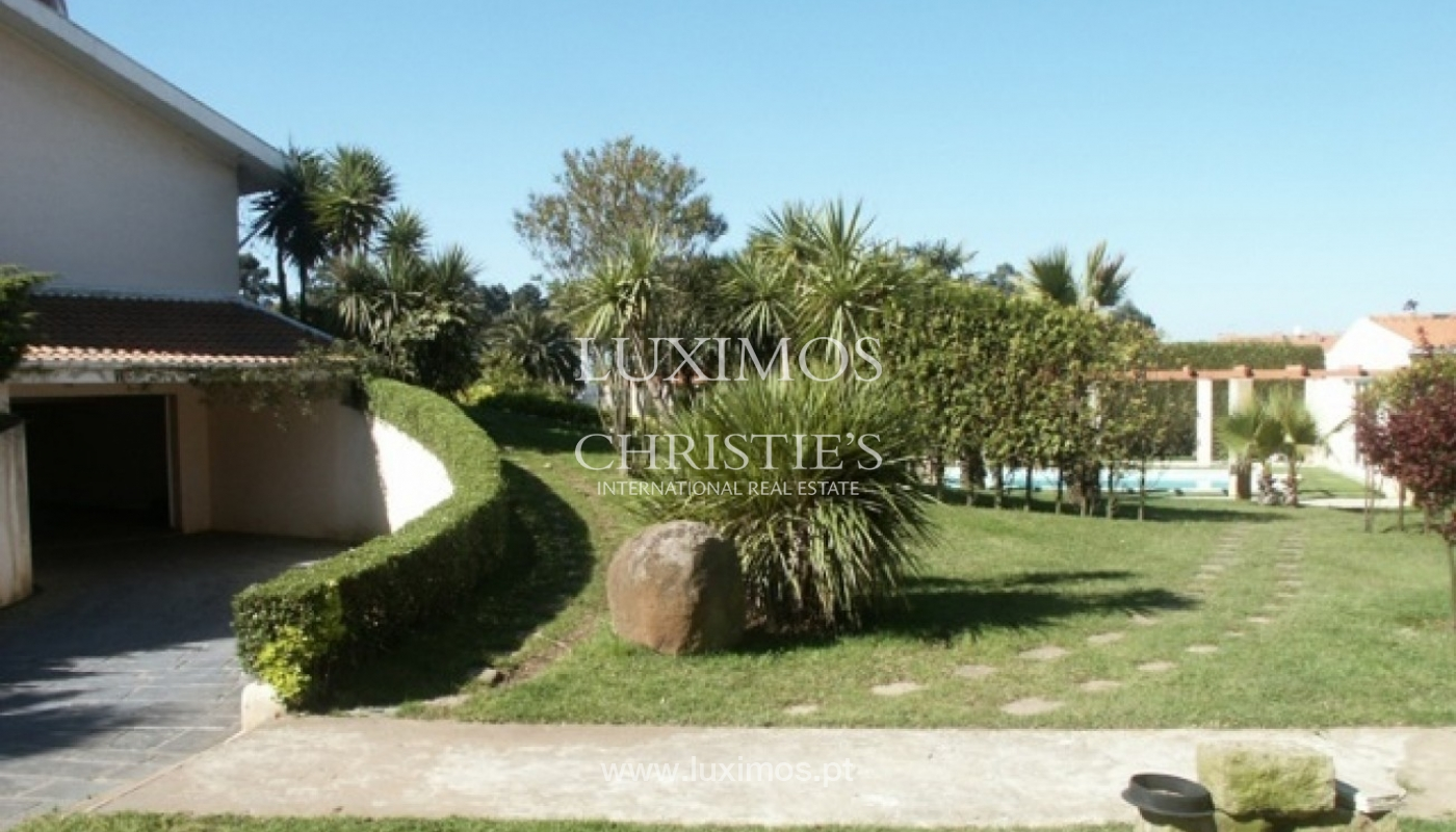 Sale of villa with garden and pool, by sea, in Porto, Portugal_2604