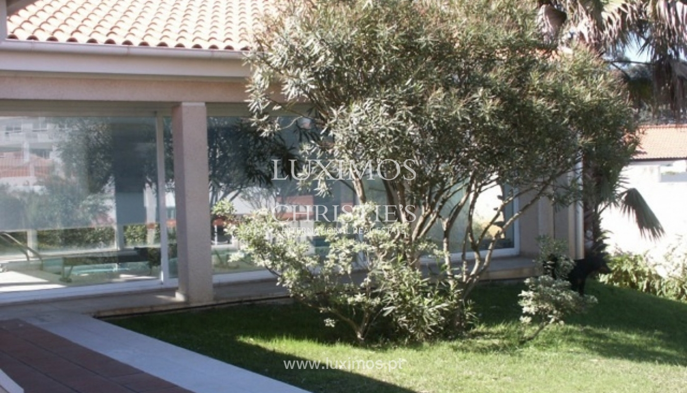 Sale of villa with garden and pool, by sea, in Porto, Portugal_2607