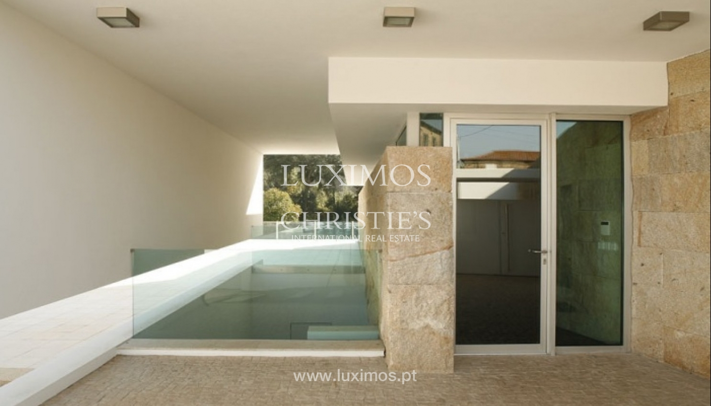 Modern and luxury villa with garden and swimming pool, Porto, Portugal_27682
