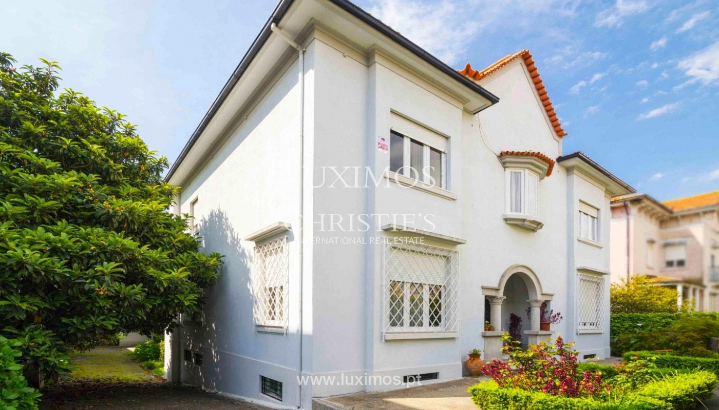 House for sale with british architecture, with garden, Porto, Portugal_30650