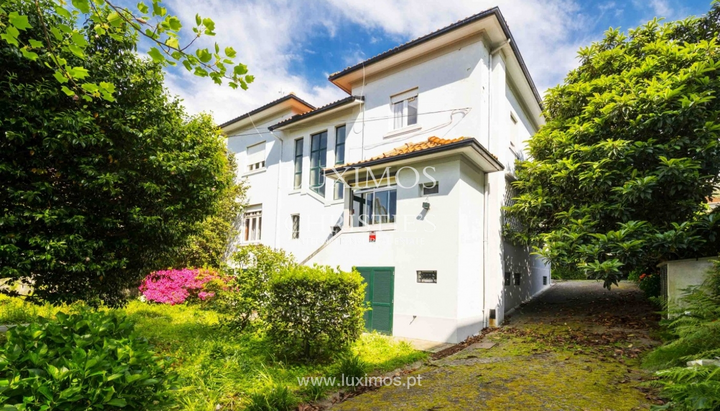 House for sale with british architecture, with garden, Porto, Portugal_30651