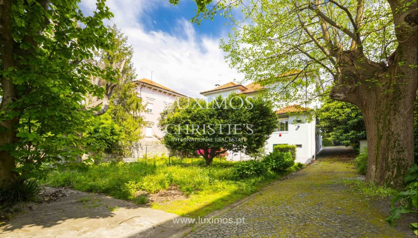 House for sale with british architecture, with garden, Porto, Portugal_30652