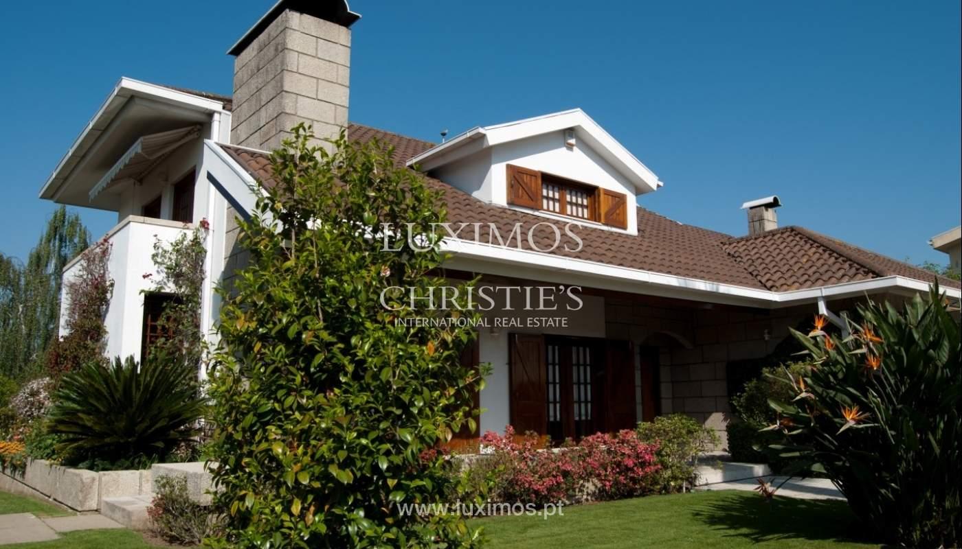 Villa de 4 faces à vendre avec jardin, Ermesinde, Porto, Portugal _36197