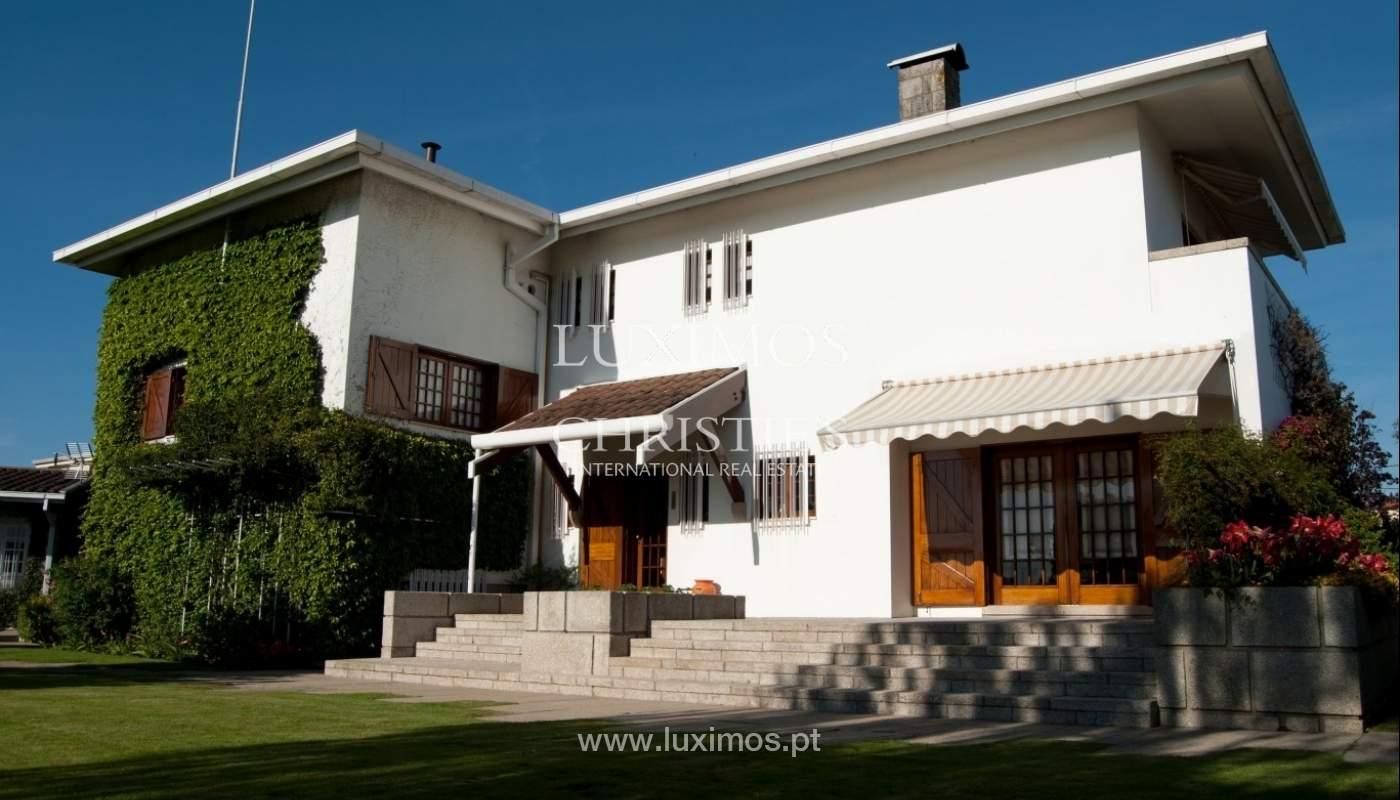 Venda de moradia de 4 frentes, com jardim, Ermesinde, Porto, Portugal _36202