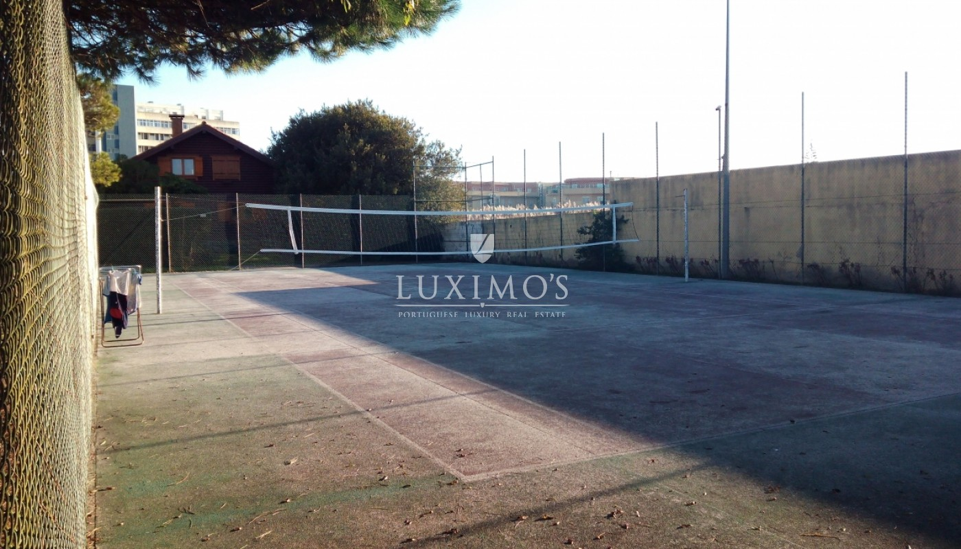 Sale of house w/ garden and court tennis, V. N. Gaia, Porto, Portugal_36568