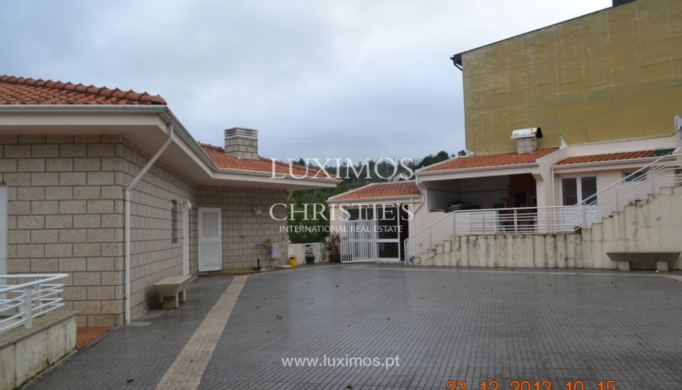 House of 4 fronts, for sale, with plot of land, Porto, Portugal_39610