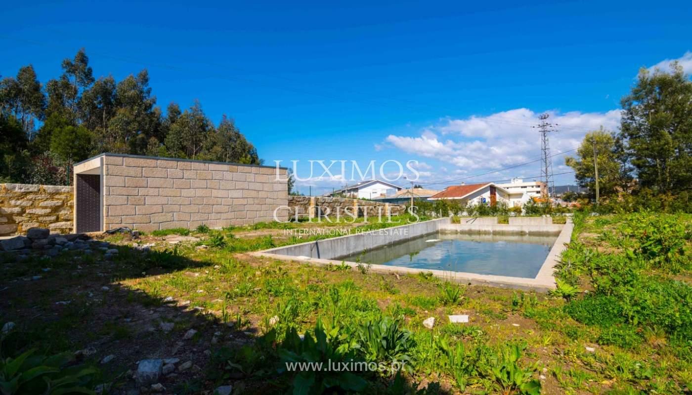 Venda de moradia nova com piscina, no Castêlo da Maia_41475