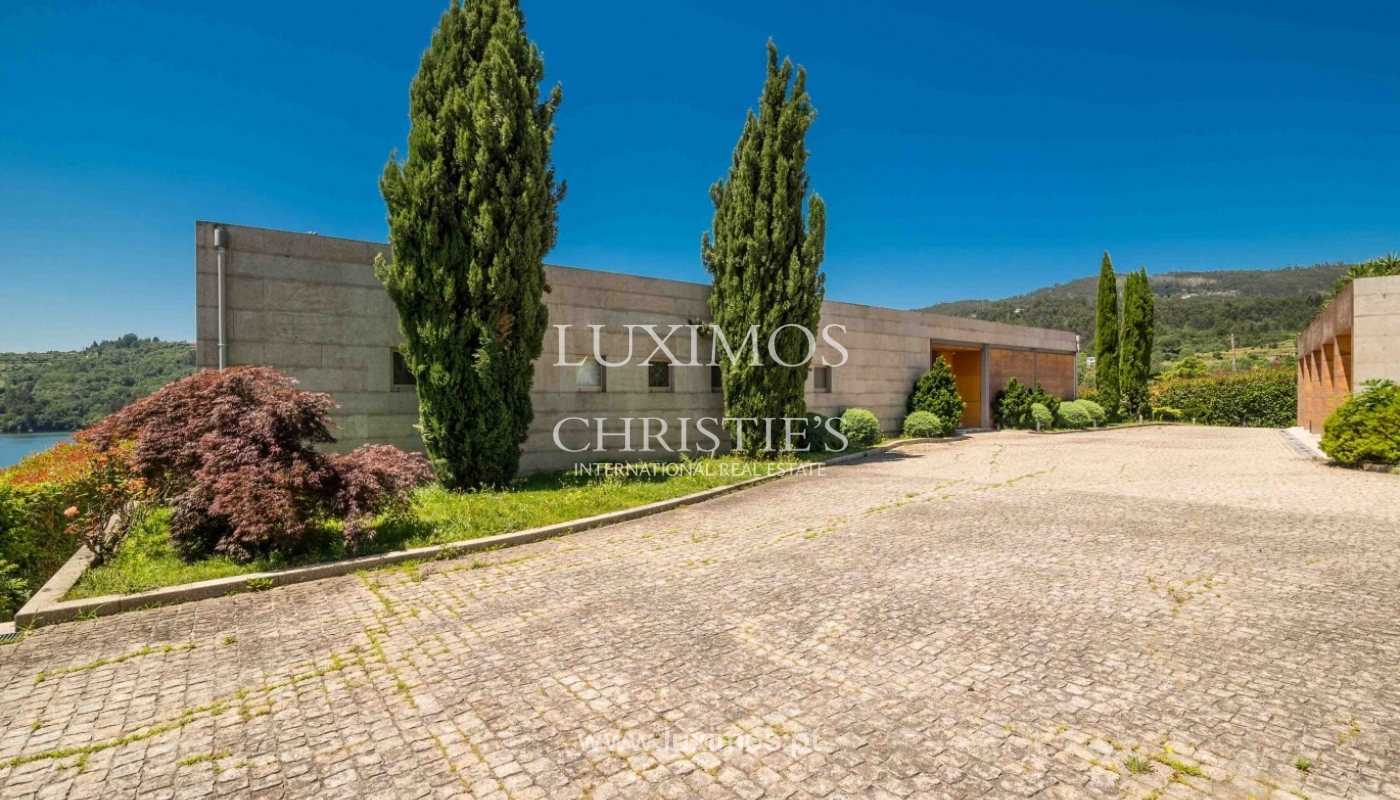 Luxury and modern villa, with river views, Penafiel, Portugal_44236