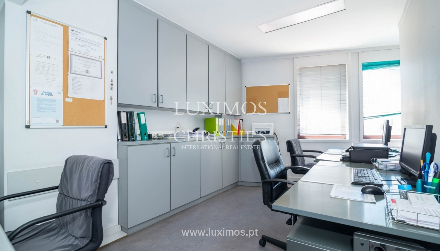Office/Clinic in a central location, Lordelo do Ouro, Porto, Portugal_44761