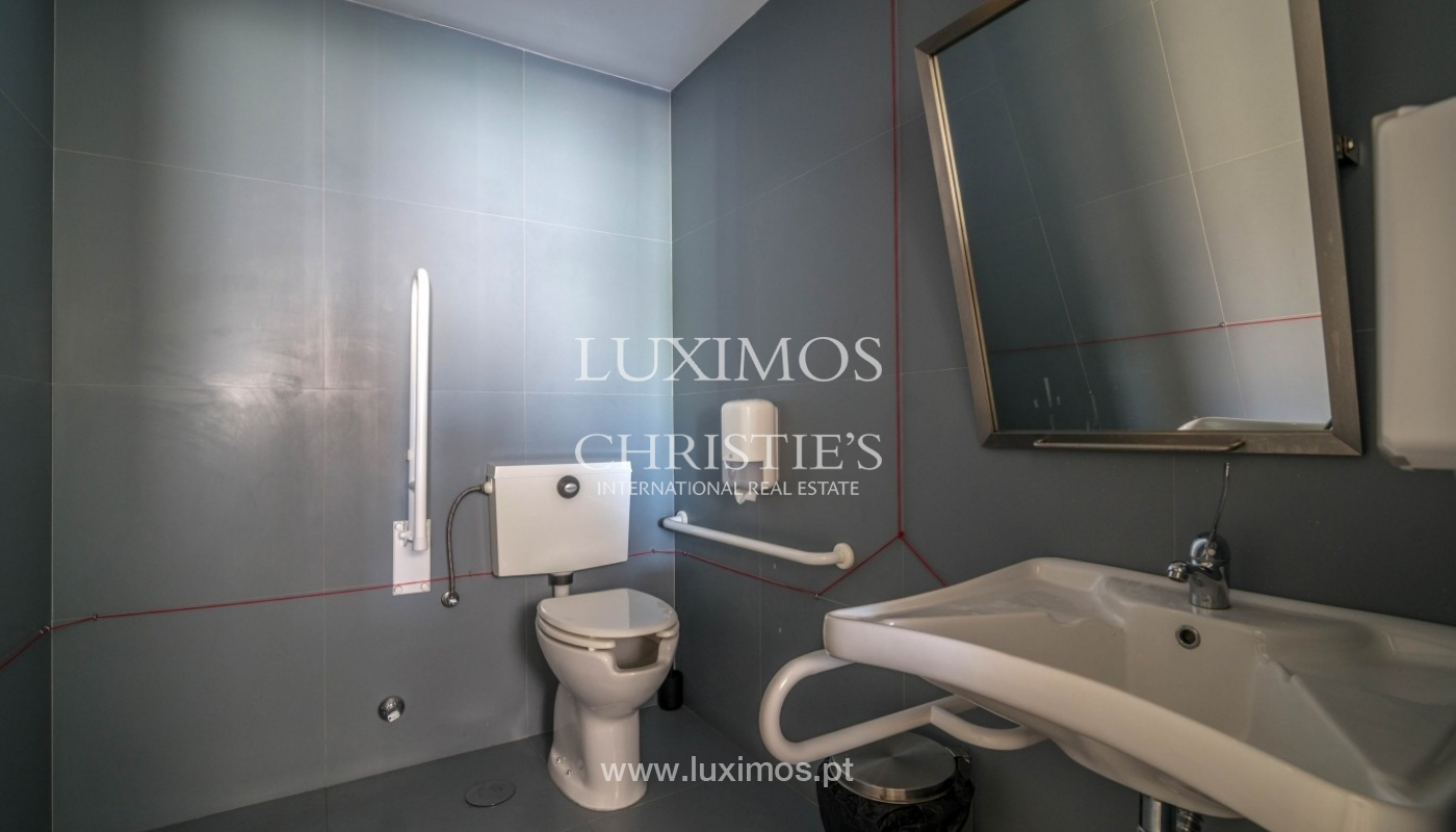 Office/Clinic in a central location, Lordelo do Ouro, Porto, Portugal_44762