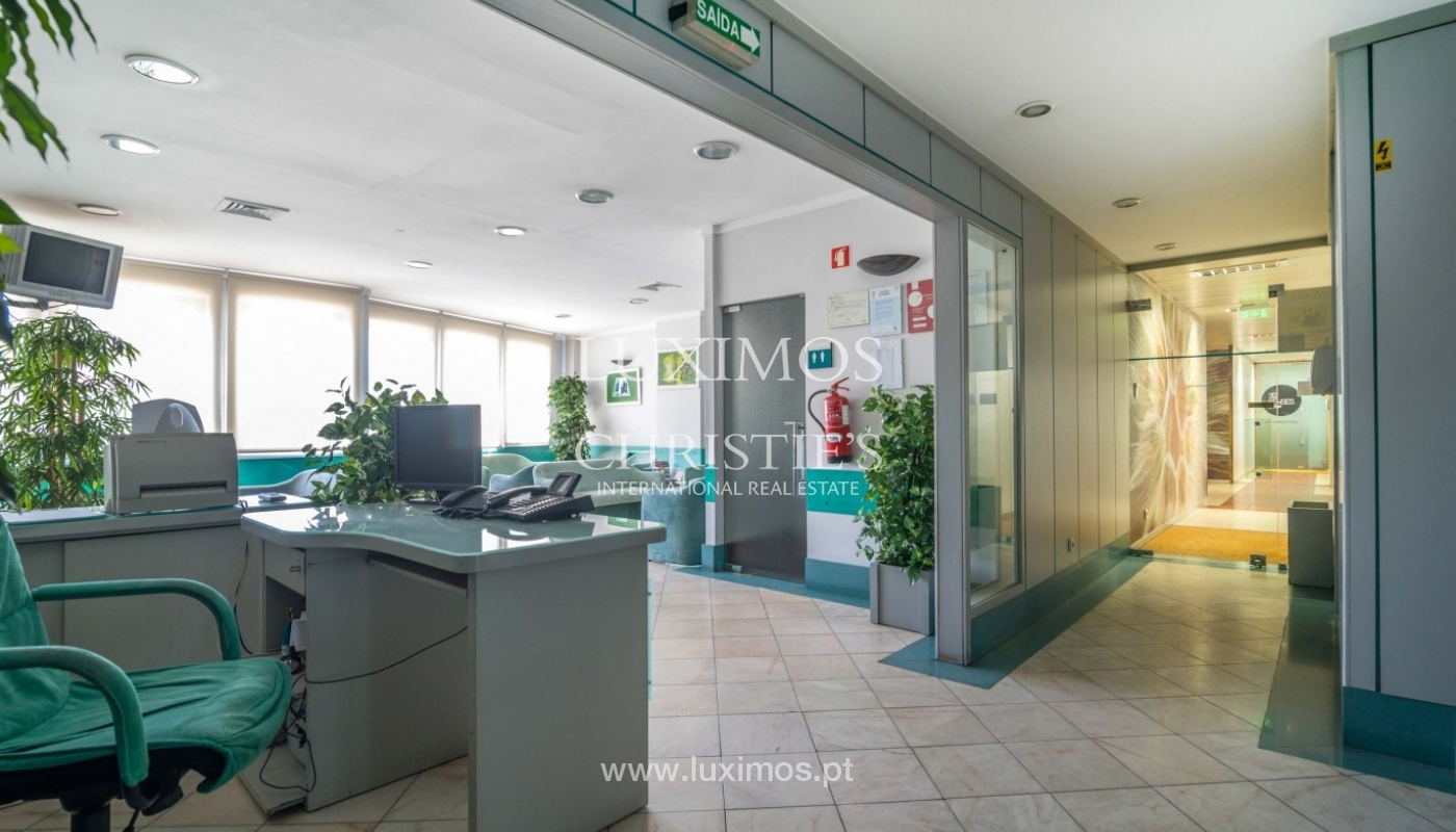 Office/Clinic in a central location, Lordelo do Ouro, Porto, Portugal_44766