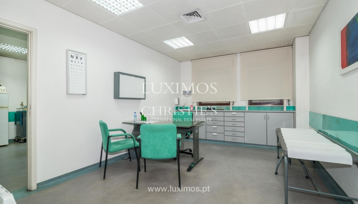 Office/Clinic in a central location, Lordelo do Ouro, Porto, Portugal_44767