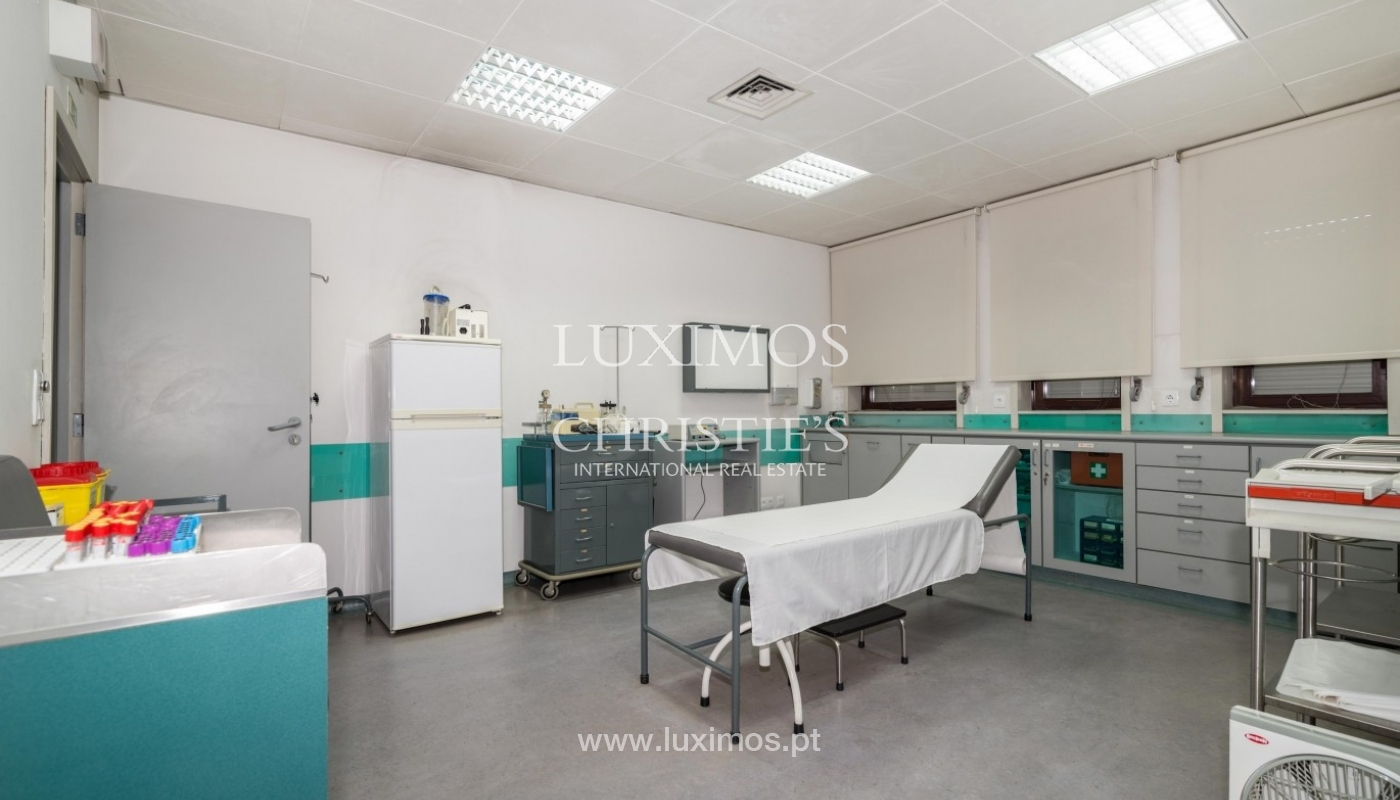 Office/Clinic in a central location, Lordelo do Ouro, Porto, Portugal_44768