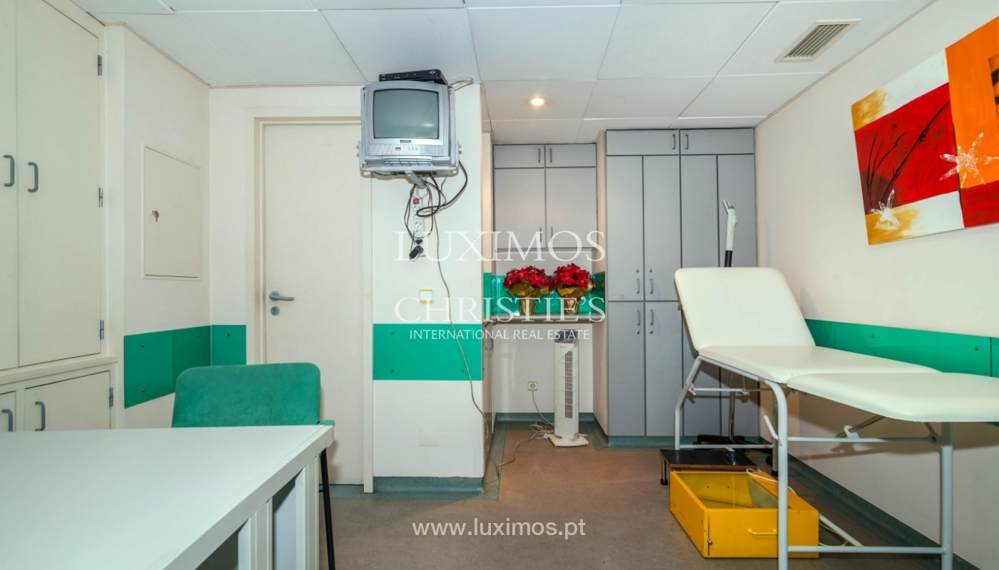 Office/Clinic in a central location, Lordelo do Ouro, Porto, Portugal_44770