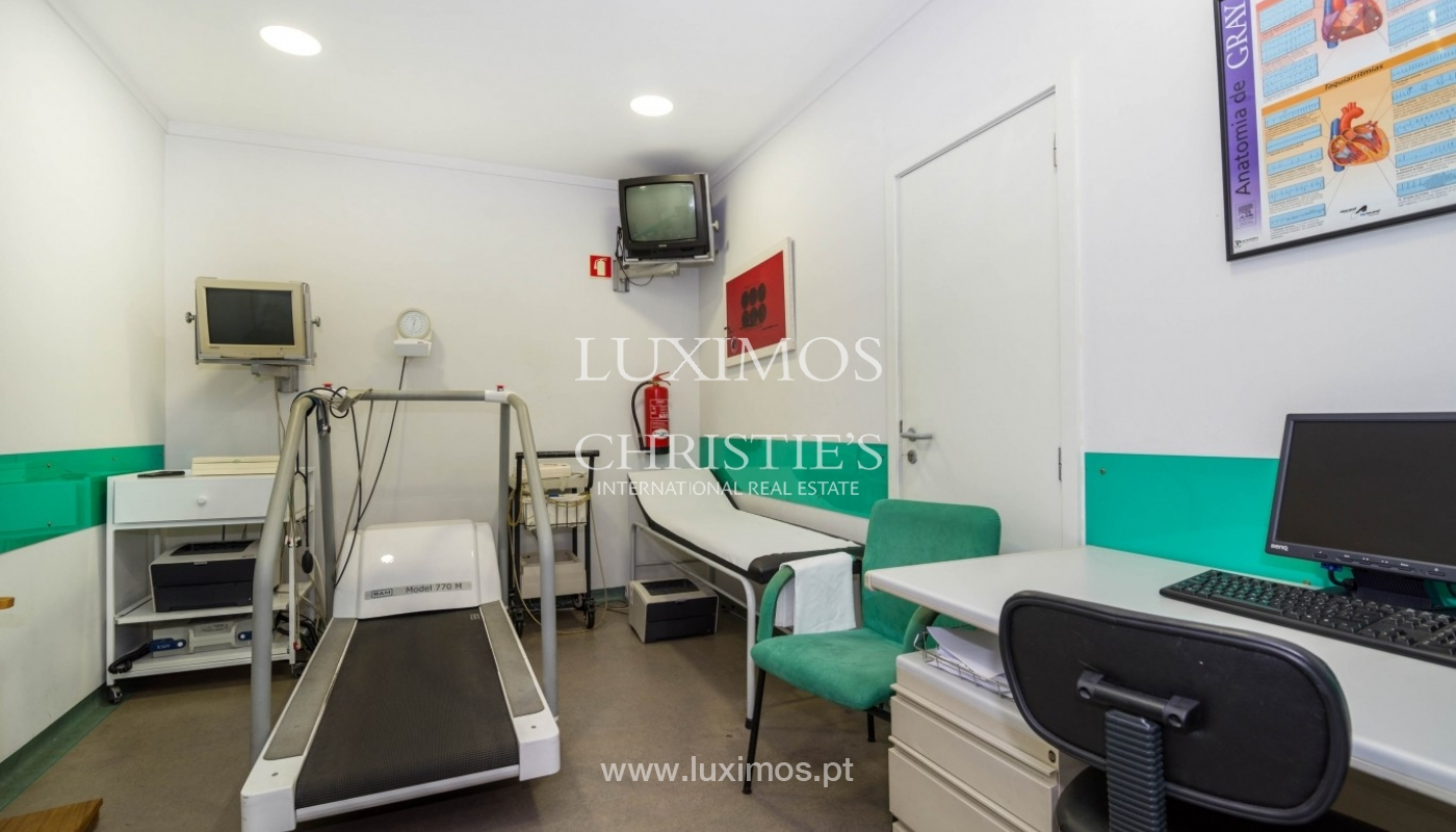 Office/Clinic in a central location, Lordelo do Ouro, Porto, Portugal_44772