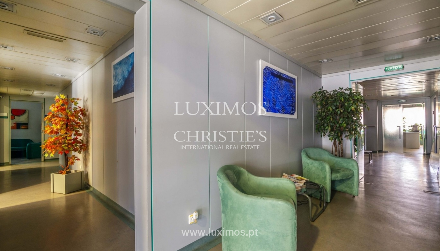 Office/Clinic in a central location, Lordelo do Ouro, Porto, Portugal_44774
