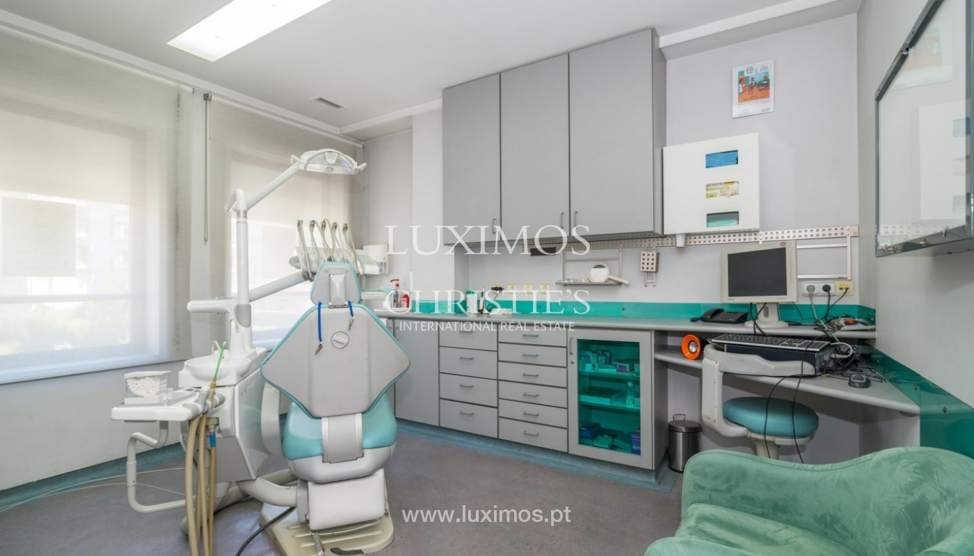 Office/Clinic in a central location, Lordelo do Ouro, Porto, Portugal_44780