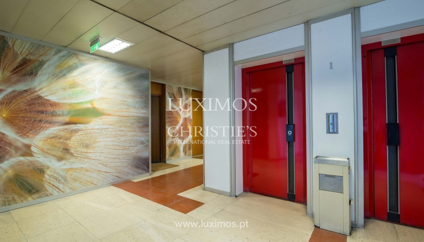 Office/Clinic in a central location, Lordelo do Ouro, Porto, Portugal_44782