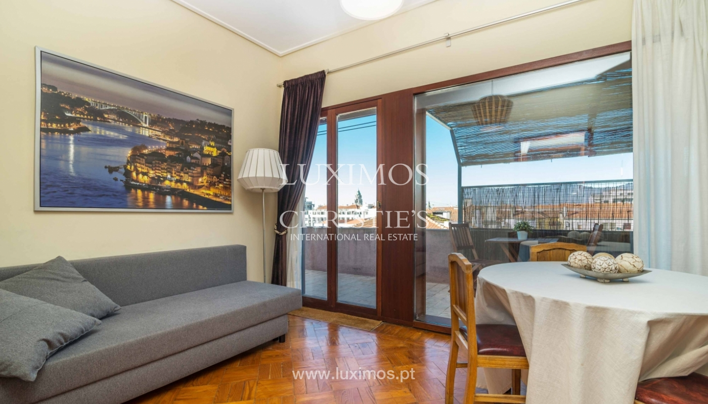 Sale of apartment with terrace in downtown Porto_51435