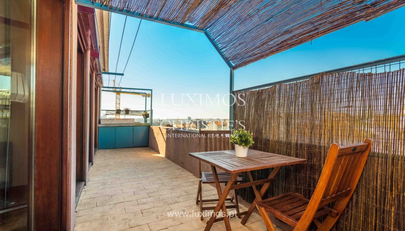 Sale of apartment with terrace in downtown Porto_51437