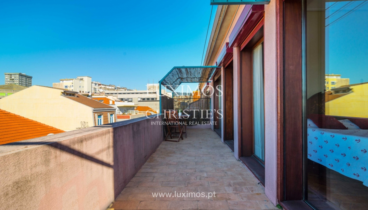 Sale of apartment with terrace in downtown Porto_51439