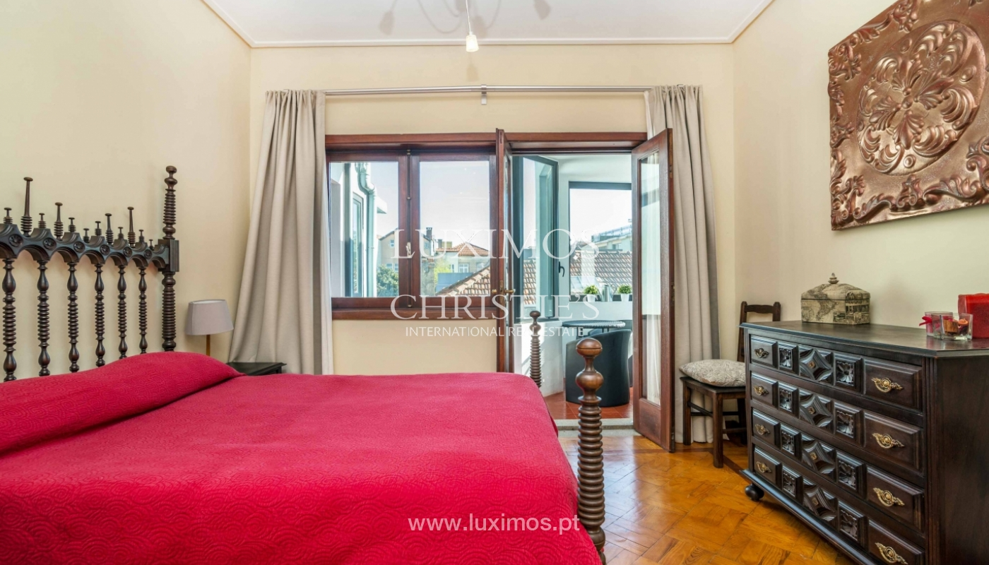 Sale of apartment with terrace in downtown Porto_51445
