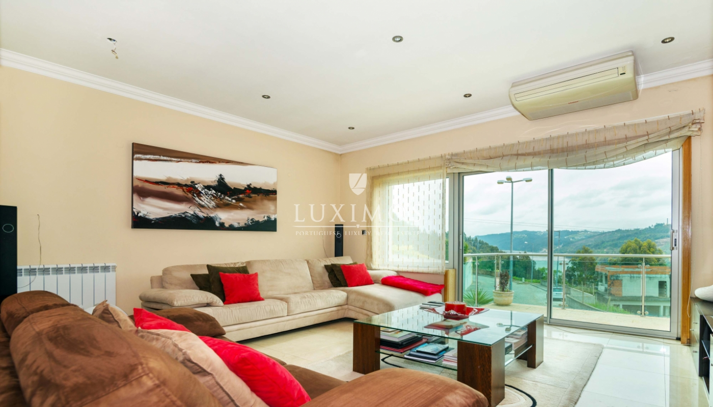 Sale modern and luxury villa w/ pool and river views, Porto, Portugal_53102