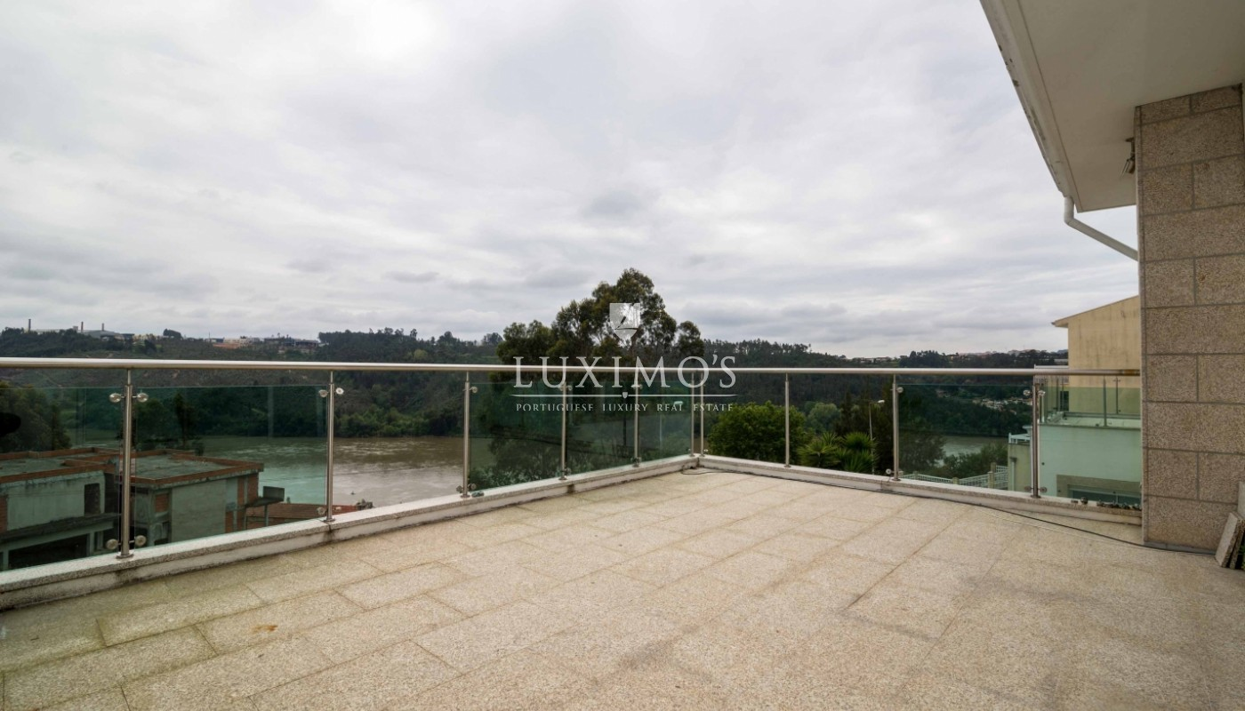 Sale modern and luxury villa w/ pool and river views, Porto, Portugal_53116